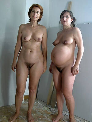 undecorated mature pregnant knockers pictures