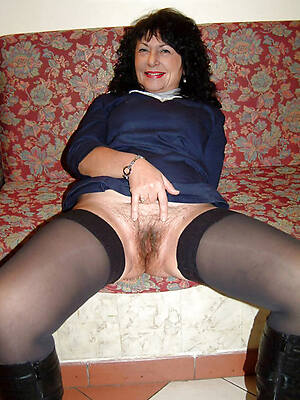 brunette grown-up pussy naked photo