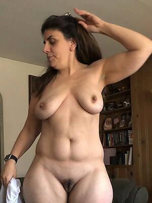 free hot mature private homemade posing nude