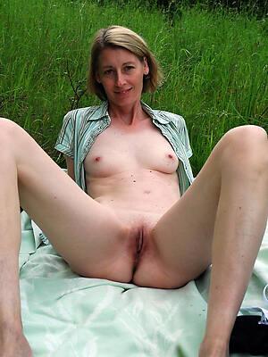 mature outdoor pussy sex pics