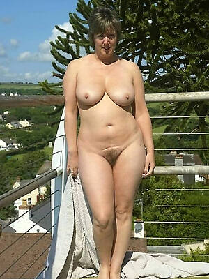 sexy nude mature outdoors high def porn