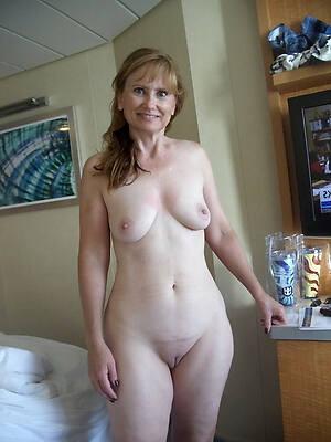 denuded mature amateur women