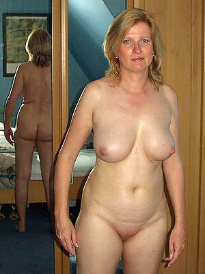 whore mature non-professional breasts