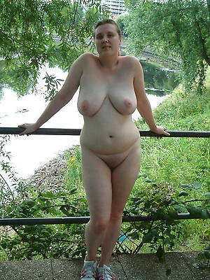 amateur porn pic of mature milf unassisted