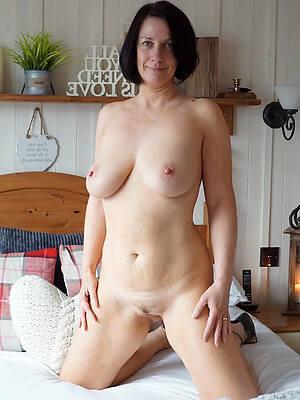 slutty mature pussy solo