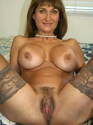 gorgeous mature mom pic