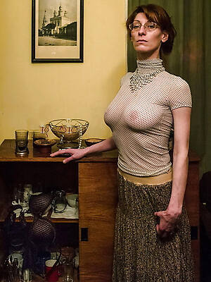 porn pics of naked mature moms