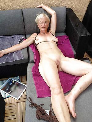 mature leg galleries