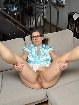 sexy mature legs porn pics