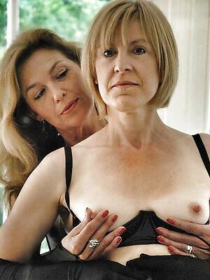 free pics of amateur adult lesbians