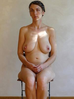 mature girlfriend unadorned stripped