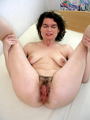 hairy matured pussy