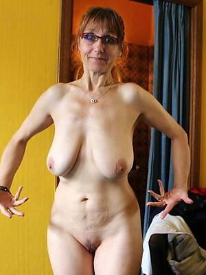 mature saggy boobs hallow porn