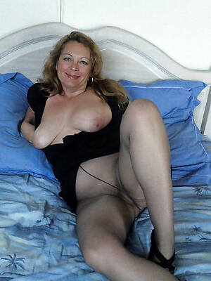 naught mature pantyhose pictures
