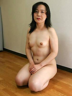 grown up asian women nude