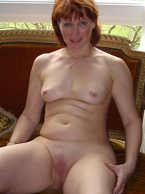 Bohemian mature shaved pussy porno pictures