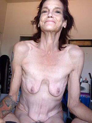 mature saggy breasts naked pics