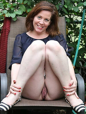 naked pics of mature matriarch pussy