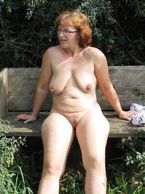 hot matures outdoors naked pics