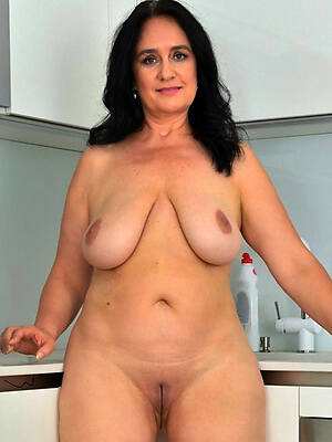 mature brunette pussy hot pictures