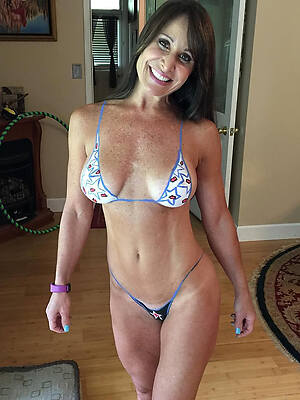 free pictures of matured women nearby bikinis