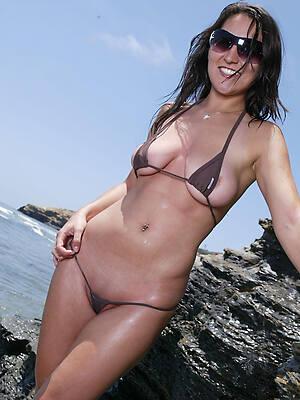 mature bikini girls pussy photos
