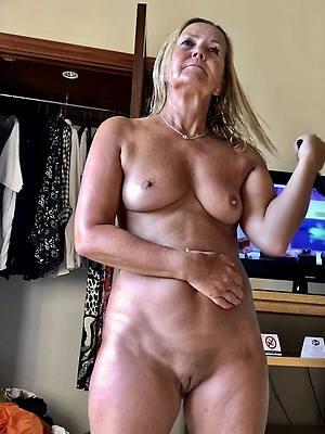 utter matures naked pics
