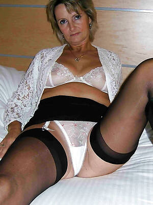 adult hot moms porno pictures