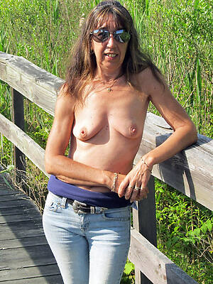 firsthand sexy mature penurious jeans photo