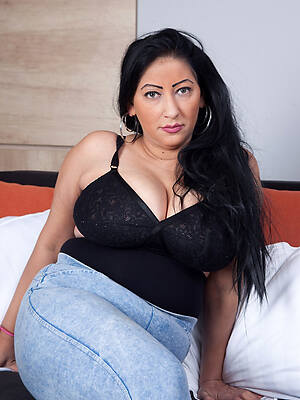 hot mature tight jeans photo