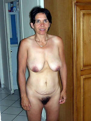 naked pics of unshaved older pussies