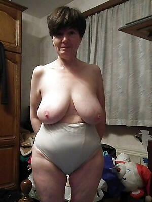 mature ass in panties pics