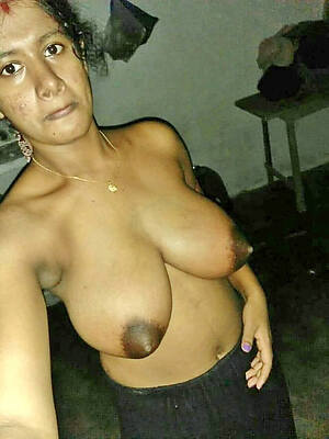 naked pics of grown-up indian pussy