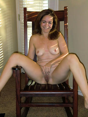 naught mature with natural tits