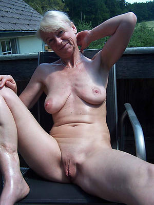 nonconformist natural matured woman