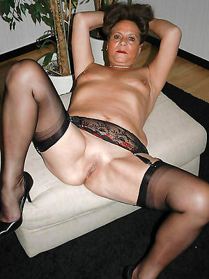 curious mature wife pic
