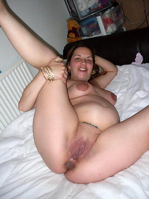 beautiful mature convincing nude