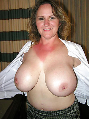 risible mature women nearly big boobs