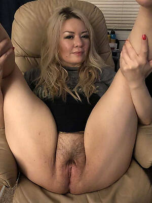 naked pics of mature hairy pussy