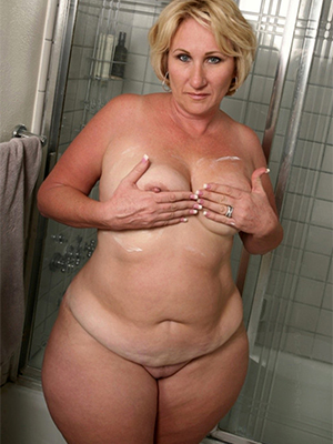 gorgeous chubby adult milfs