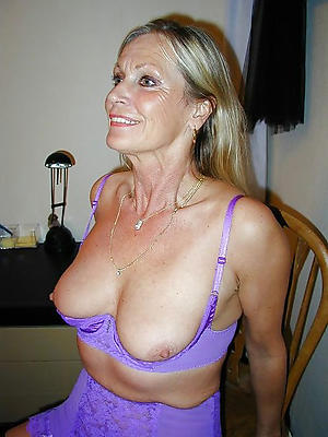 free pics of nude full-grown tits