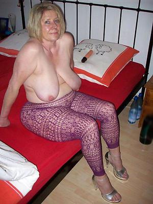 poisonous mature nude moms