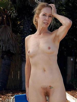 mature slut xxx stripped