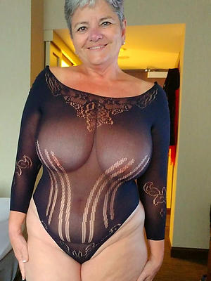 curvy mature erotic pics