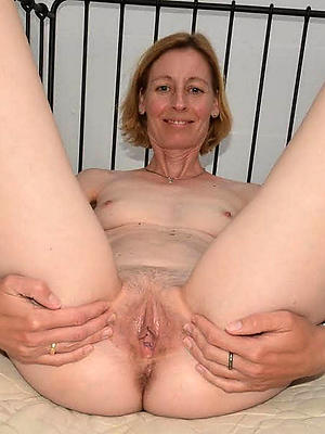 gorgeous thorough mature pussy