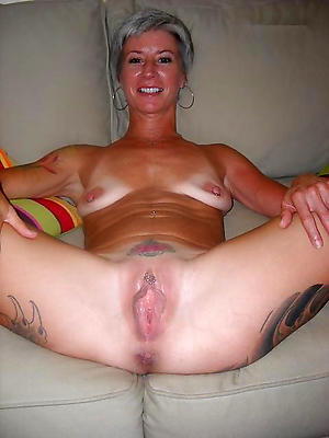 hairy grown-up vagina stripped