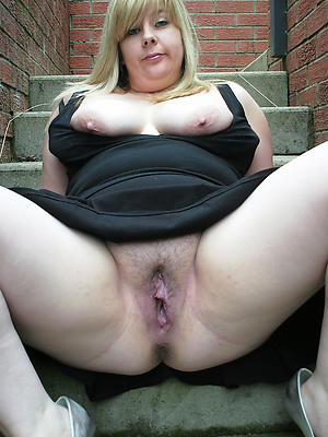 naughty mature women vagina