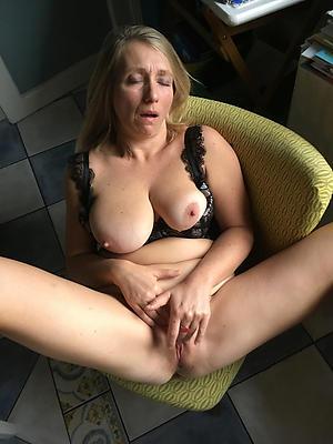 nonconforming mature marketable pussy porn pics