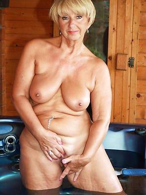naught sexy mature white women