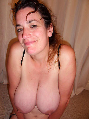 beautiful mature lady boobs nude pics